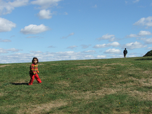 Amie and Baba at the Larz Anderson Park, oct 07 (c) Katrien Vander Straeten