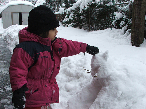 Amie and the snowcat, December 2007 (c) Katrien Vander Straeten