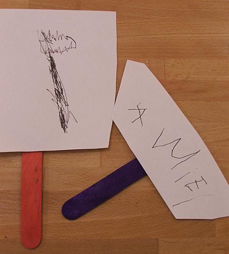 Amie's carrot and her name, 4 june 2008 (c) Katrien Vander Straeten